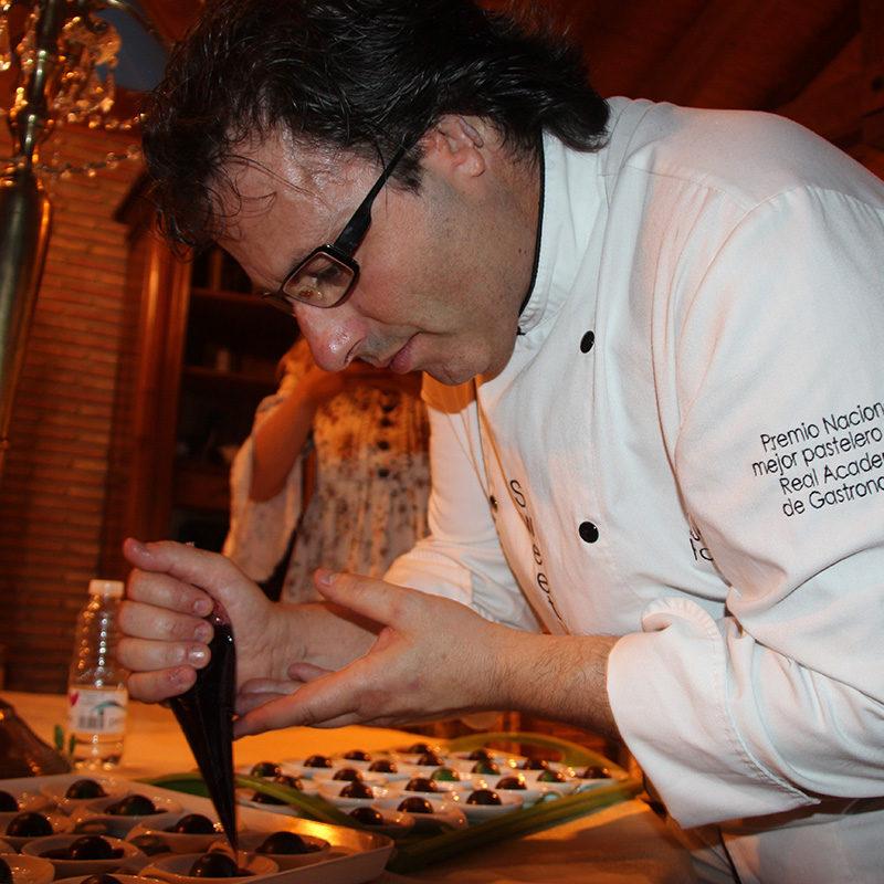 Juan Ángel desarrollando un evento gastronómico